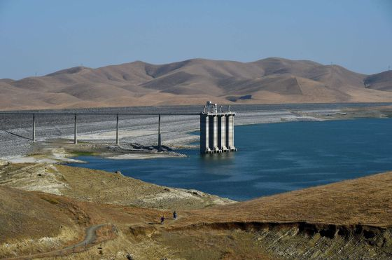 El embalse de San Luis, en el valle central de California, al 21% de su capacidad.